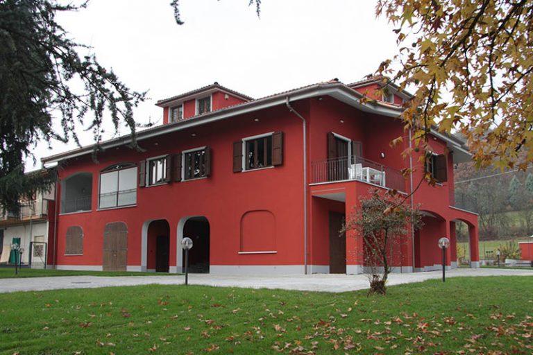 Ristrutturazione di edificio residenziale con mansarda - Belveglio (AT)